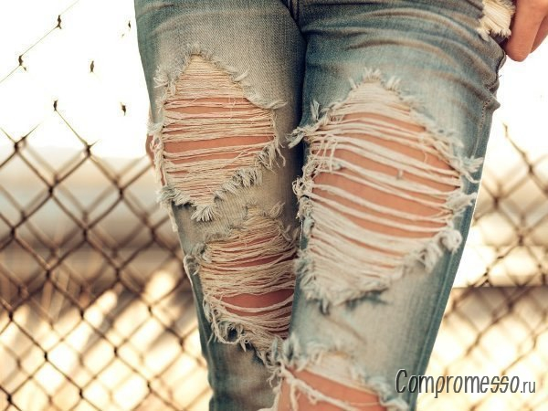 Дырки на джинсах своими руками фото
