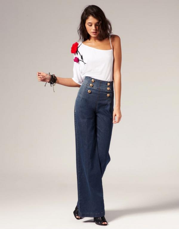 Завышенные джинсы